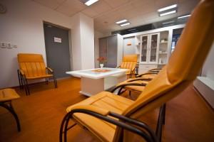 Príjemné priestory čakárne